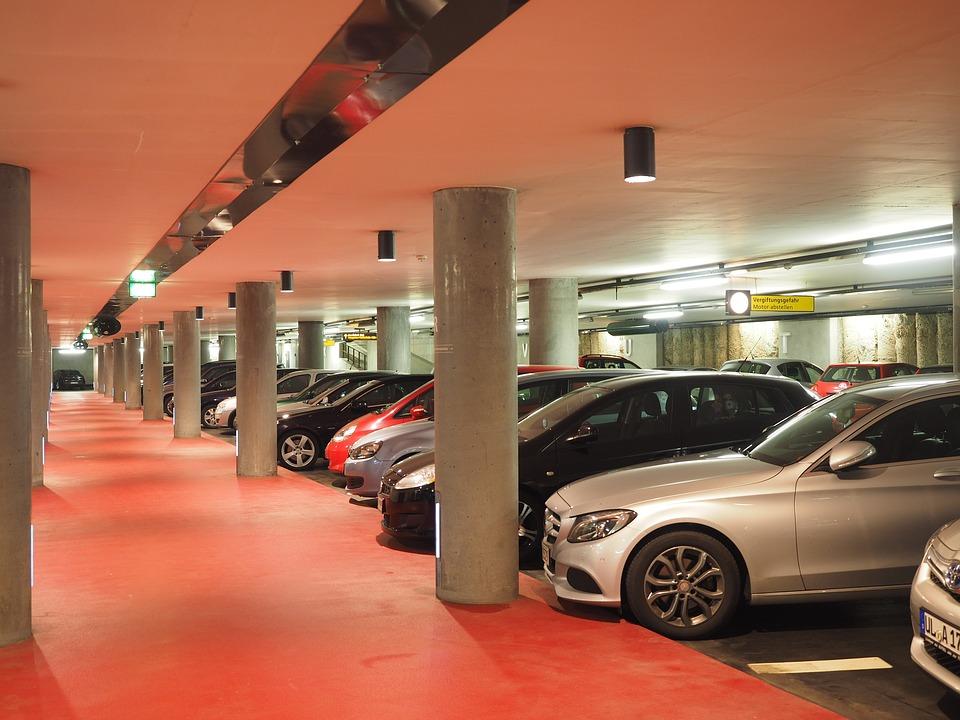 Parkolási díjak a Liszt Ferenc repülőtéren, Budapesten